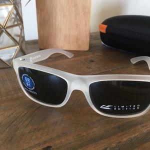 c20dfb89462 kaenon Accessories - Brand New Kaenon Clarke Frost sunglasses LE